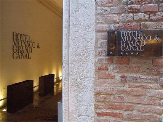 Palazzo Selvadego: Main Hotel Entrance