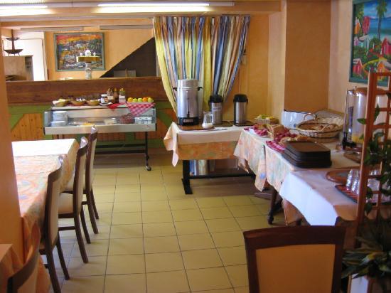 Hotel Arc-En-Ciel : Breakfast area