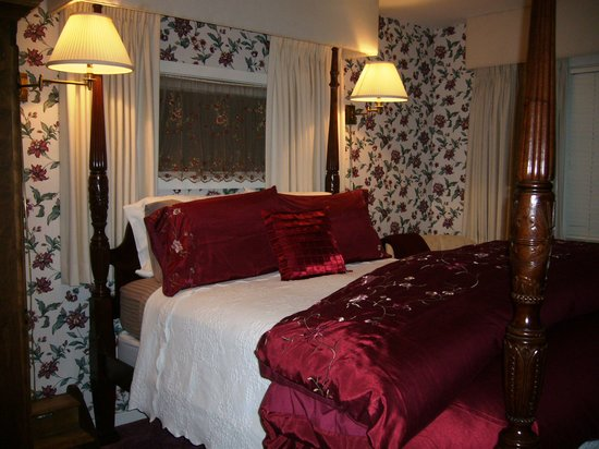 The Sugartree Inn: Room