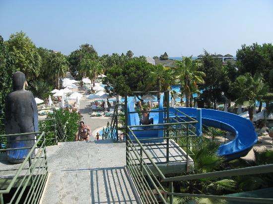 Botanik Hotel & Resort: swimming pool with slides