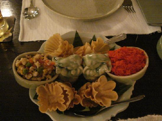 MANGO TREE Surawongse: 前菜盛り合わせ