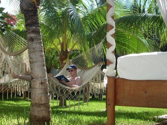 Sensimar Seaside Suites & Spa: Hammock outside our room