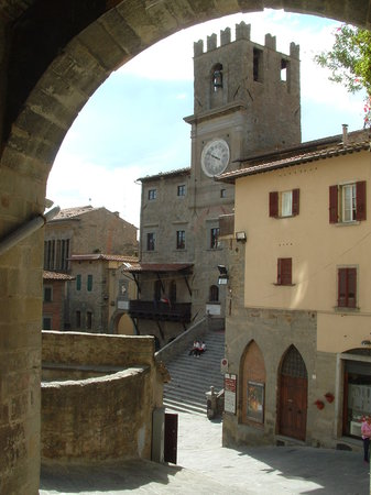 Cortona, Italië: Looking towards main square