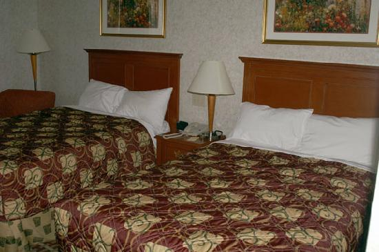 Baymont Inn & Suites West Lebanon: Our Room with double beds