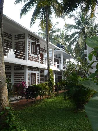 Hill View Beach Resort: one of the resort wing