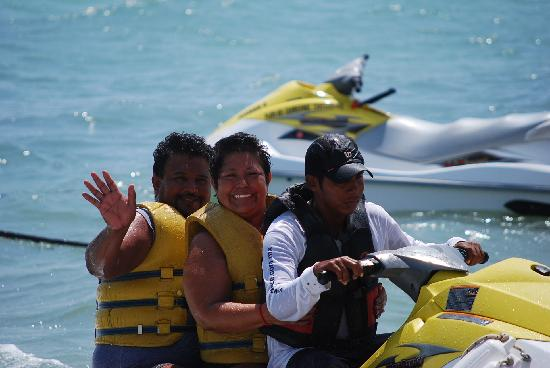 The Royal Haciendas All Suites Resort & Spa: Marta & Jose on their Jet Ski trip to Parasail