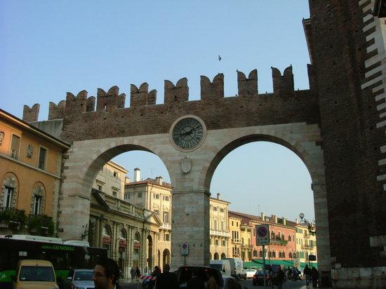 Verona, Italia: Portoni della Bra