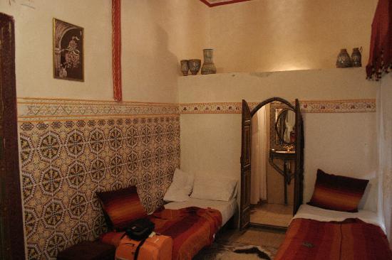 Riad Chennaoui: Camas separadas de la habitación