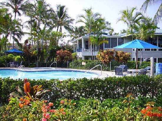 Wyndham Mauna Loa Village: One of many pool areas. Spas.