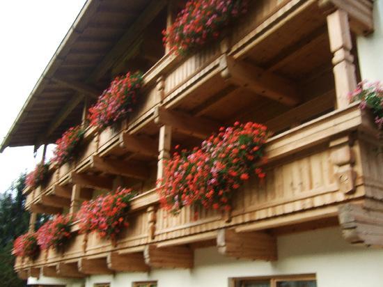 Hotel Garni Glockenstuhl: View of balconies