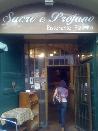 Sacro e Profano : Great Pizza with a side of salvation