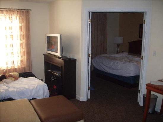 HYATT house Parsippany/Whippany: BR/LR from Kitchen