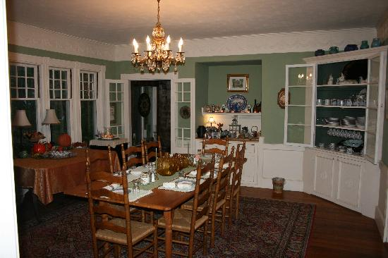 Inn at Tanglewood Hall: the dining room