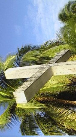 Peters Dive Resort: Cross atop a look out point built during WWII