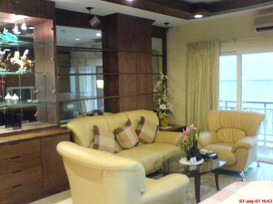 Whitehouse Condotel: liningroom 2