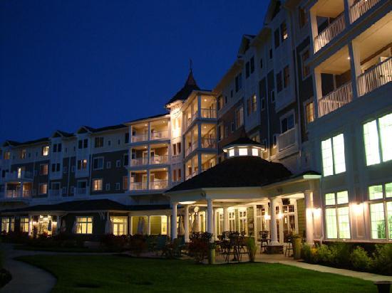 1 picture of watkins glen harbor hotel watkins glen. Black Bedroom Furniture Sets. Home Design Ideas