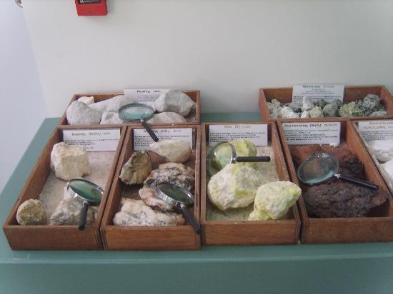 Adamas, اليونان: giocare al geologo