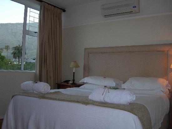 Table Mountain Lodge: bedroom