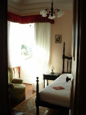 Alegre Hotel: The room