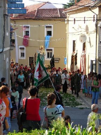 Alegre Hotel: Festive procession in Luso