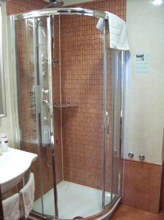 Best Western Premier Hotel Astoria: Bathroom Room # 114