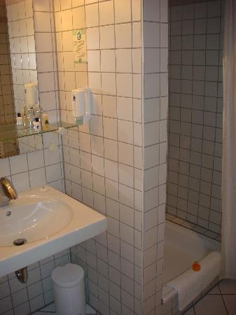 City Partner Hotel Goldenes Rad: Badezimmer zum Einzelzimmer