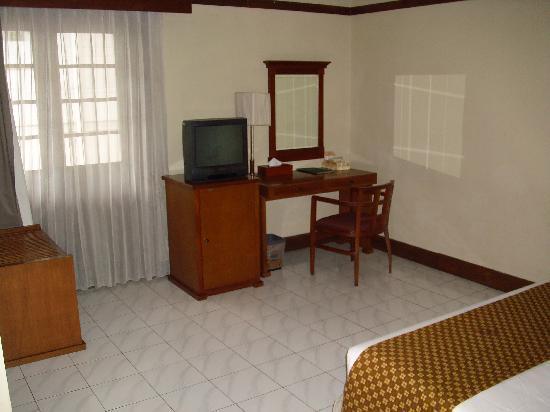 Hotel Bumi Sawunggaling: Deluxe room