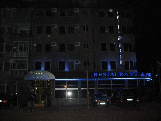Hotel Brod: Brod Hotel at night