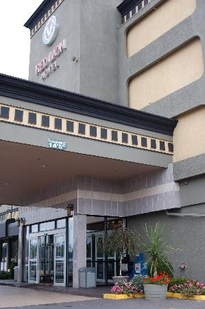 Red Lion Hotel Tacoma: Main entrance