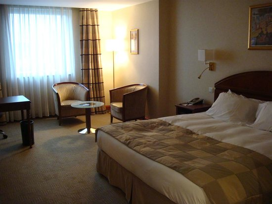 Athenee Palace Hilton Bucharest: Exec lev Room 509
