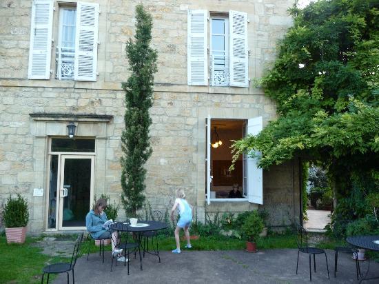 La Maison du Notaire Royal : The back yard