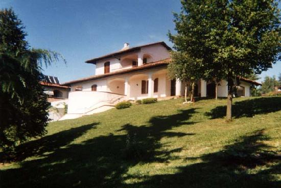 bed and breakfast MONVISO La Morra via richieri 26