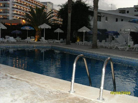 Hostal Mar y Huerta: The Pool at night
