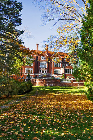 Glensheen, The Historic Congdon Estate: Lakeside Through the Trees