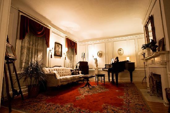 Olcott House Bed and Breakfast Inn : Olcott Music Room