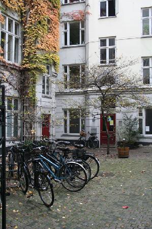Copenhagen International B&B : Central courtyard