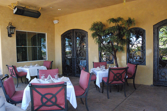 Enoteca Restaurant & Lounge: Patio Dining at Enoteca
