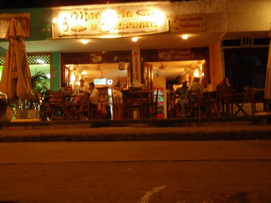 Margherita e Carbonara: Front of Restaurant