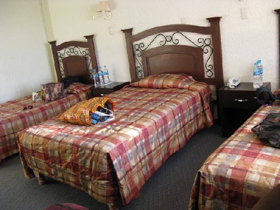 Hotel San Agustin Posada del Monasterio: Triple room - 2nd night