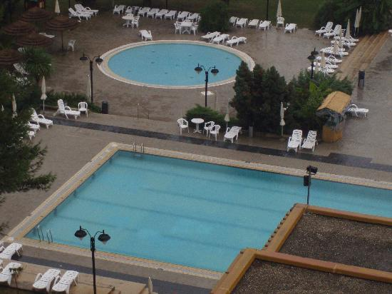 Pical Hotel: View of swimming pool from our room