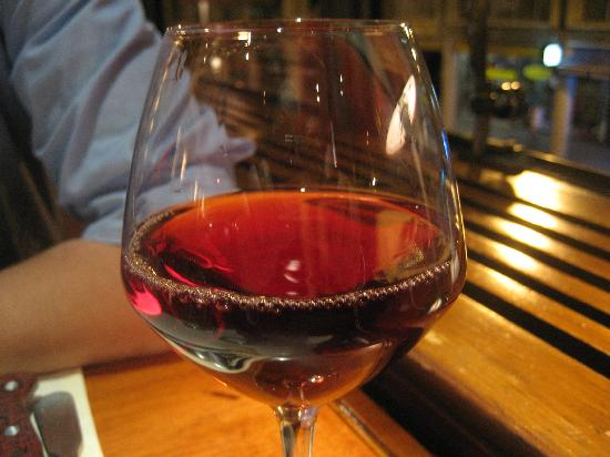 Restaurant Tea Room Hug: Vin d'Alsace: Pinot noir