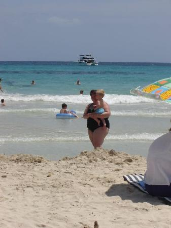 Protur Vista Badia Aparthotel: sa coma has a very nice beach