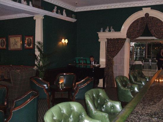 The Chesterfield Mayfair: The Chesterfield Pub