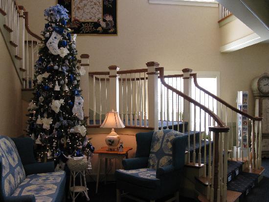 Essenhaus Inn & Conference Center: the lobby decorations