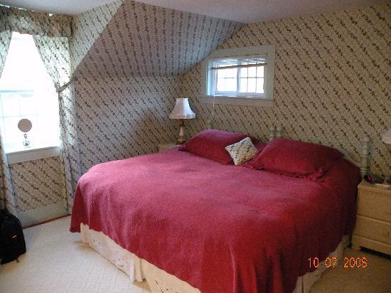 Applewood Manor Bed & Breakfast: Delia's room