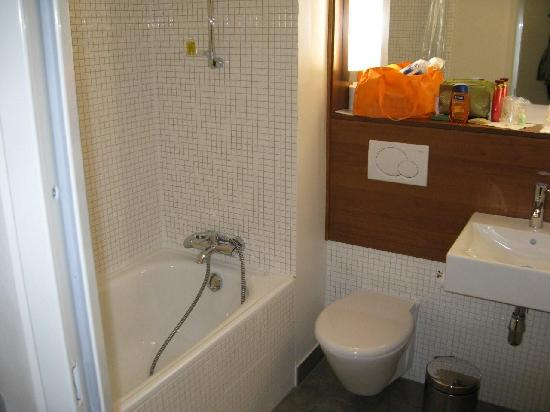 كامبانيلي لودز: Bath room