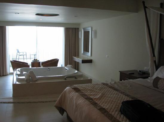 Sun Palace: Room 216
