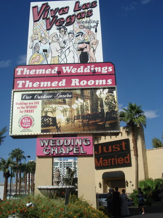 ‪Viva Las Vegas Wedding Chapel‬