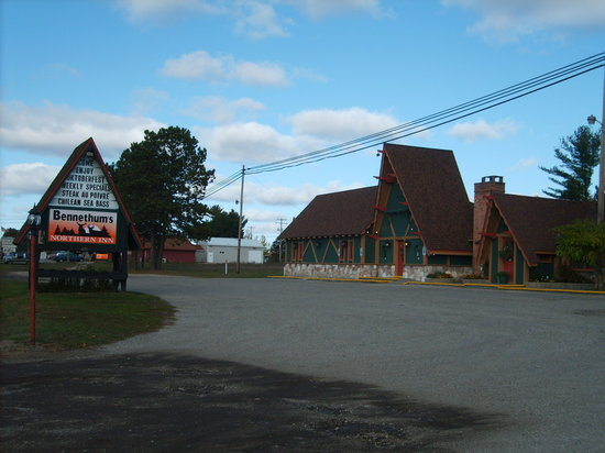 Bennethum's Northern Inn : Bennethum's in Gaylord