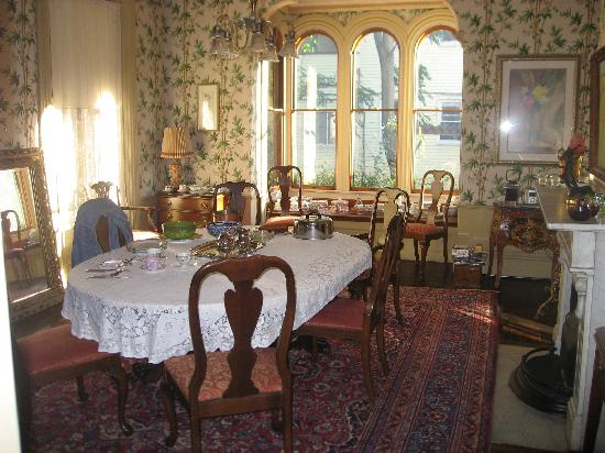 Prospect Place Bed and Breakfast: Breakfast room